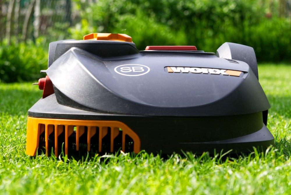 Skift din gamle plæneklipper ud med en robotplæneklipper