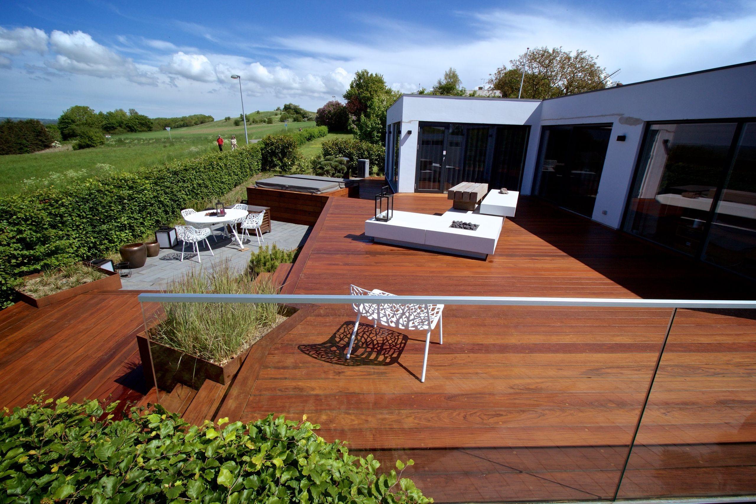 Få større udendørs råderum med en fantastisk træterrasse